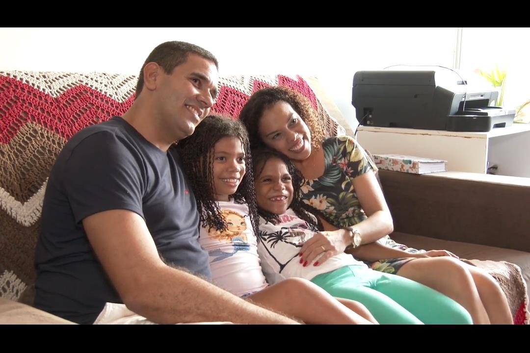 A idade das irmãs adotadas por Thalita e Jackson não importava